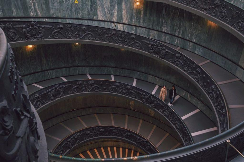 Double helix bramante staircase