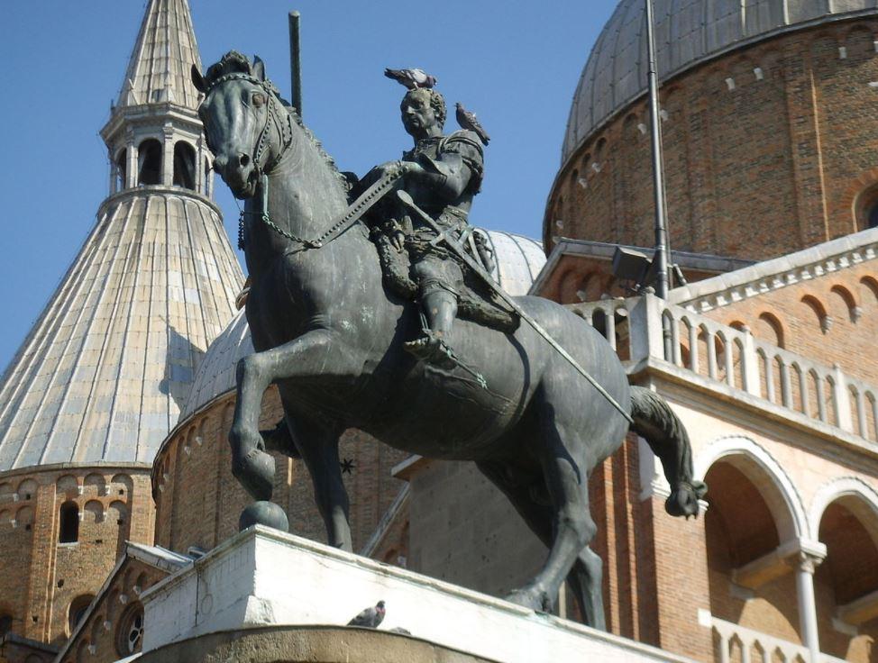 Gattamelata bronze statue