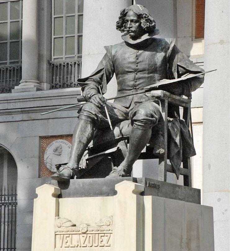 Velazquez statue prado