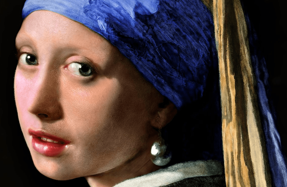 Girl with pearl earring detail