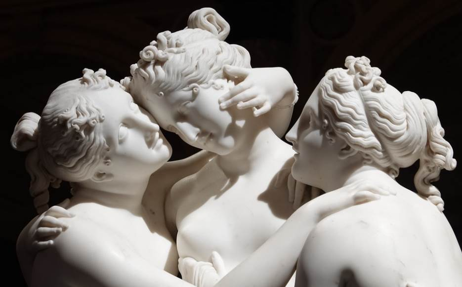 Detail of the 3 graces