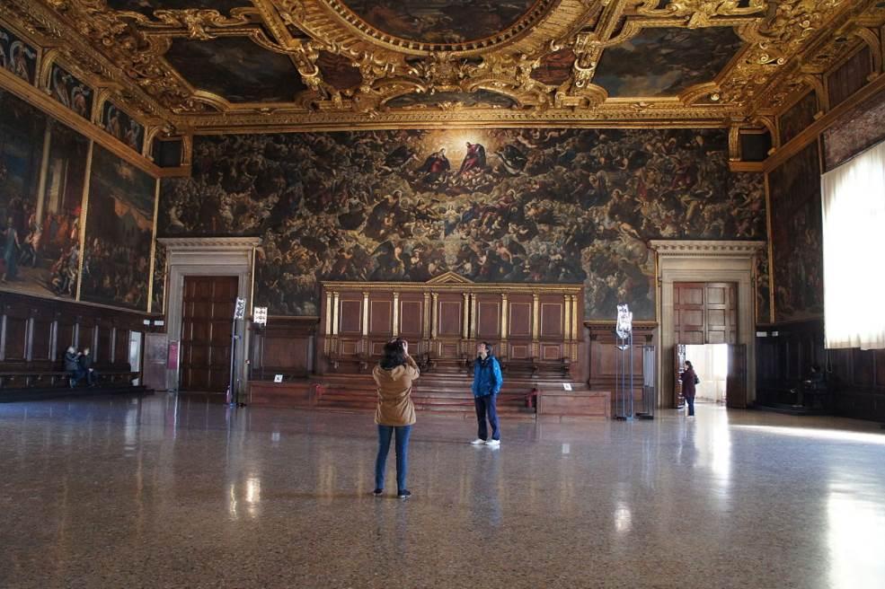 Il Paradiso Tintoretto main hall doges palace
